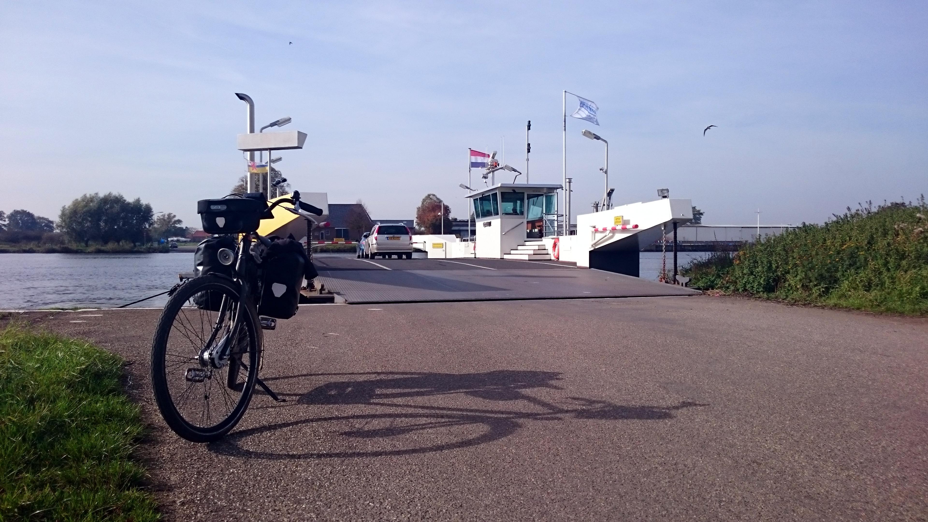 17_veerpont_vierlingsbeek_bergen.jpg